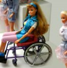 Sì alla Barbie disabile