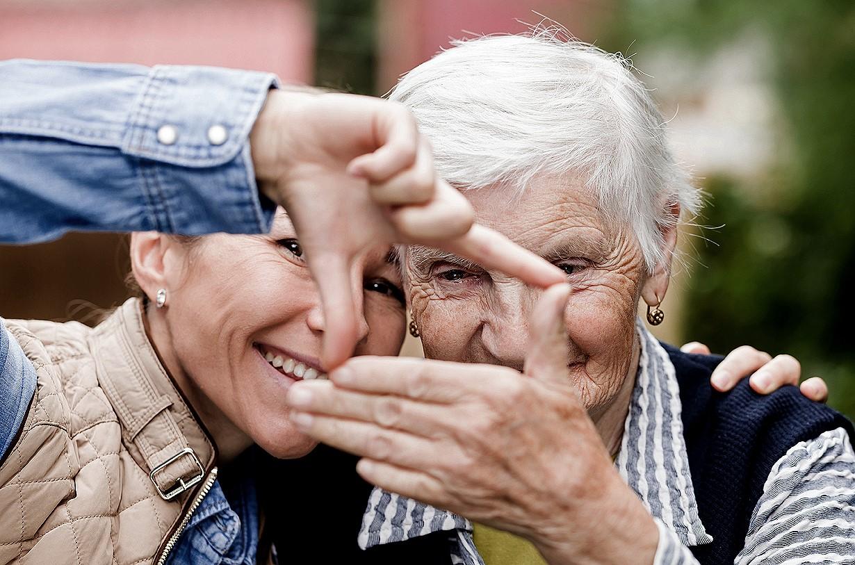 caregiver-anziano in vacanza-caregiver in vacanza-case vacanza-alloggio vacanza-heyoka